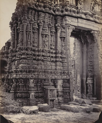 Tarputry [Tadpatri]. Temple in ruins near the river. Gateway and carvings at south entrance.